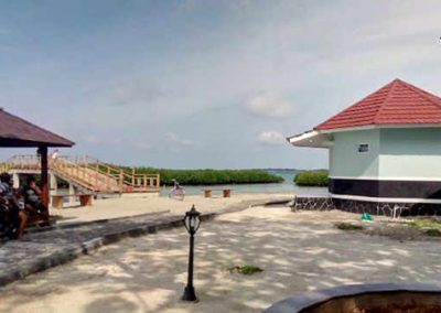 paket wisata pulau royal